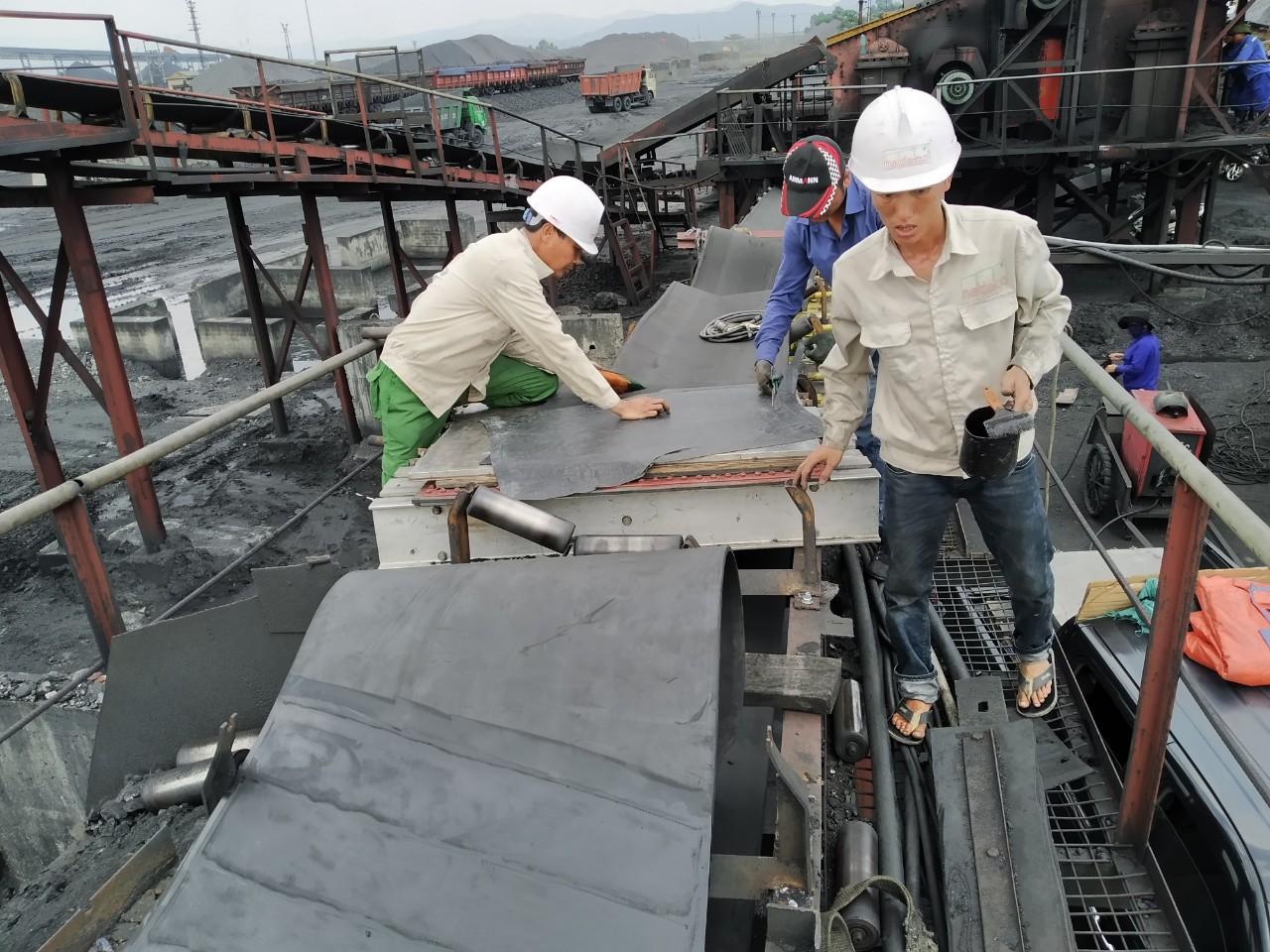 Lắp đặt và dán nối Băng tải Nadaco tại Tập đoàn Than và Khoáng sản Việt Nam (Vinacomin)